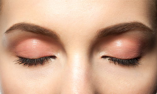 embellece tu mirada con las extensiones de cejas marichecorrecher